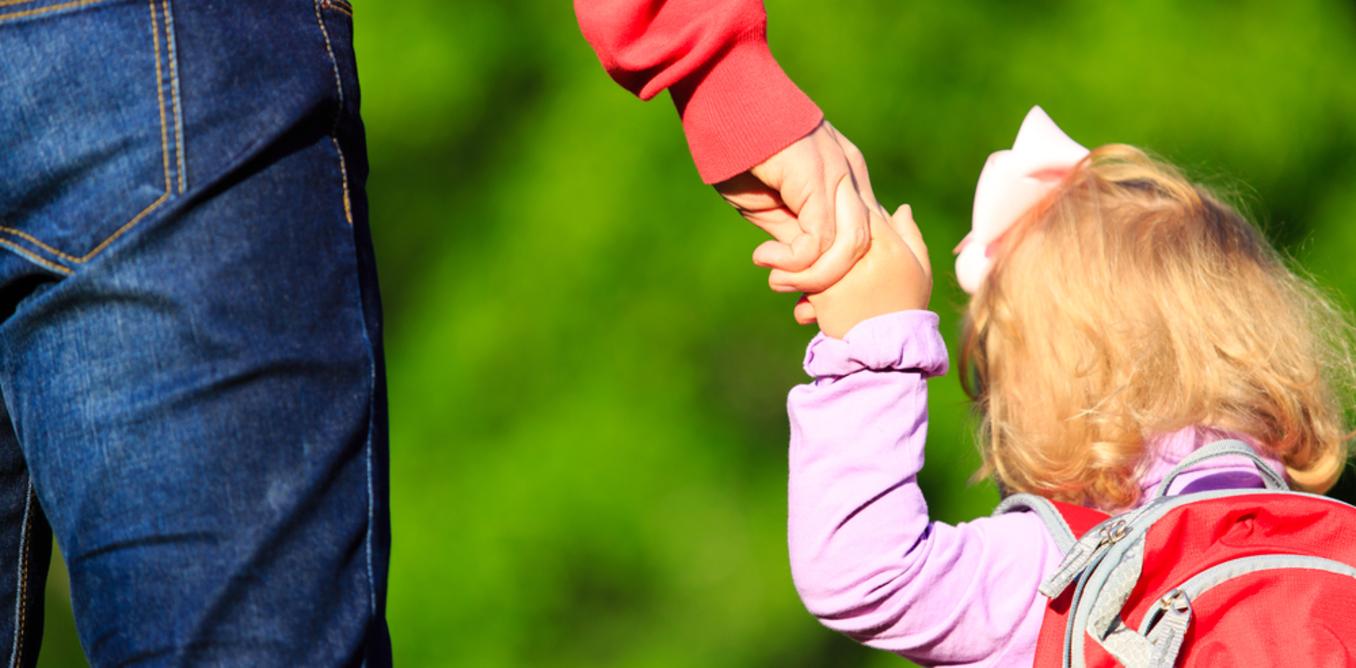 Как оформить алименты от государства, если отец их не платит?