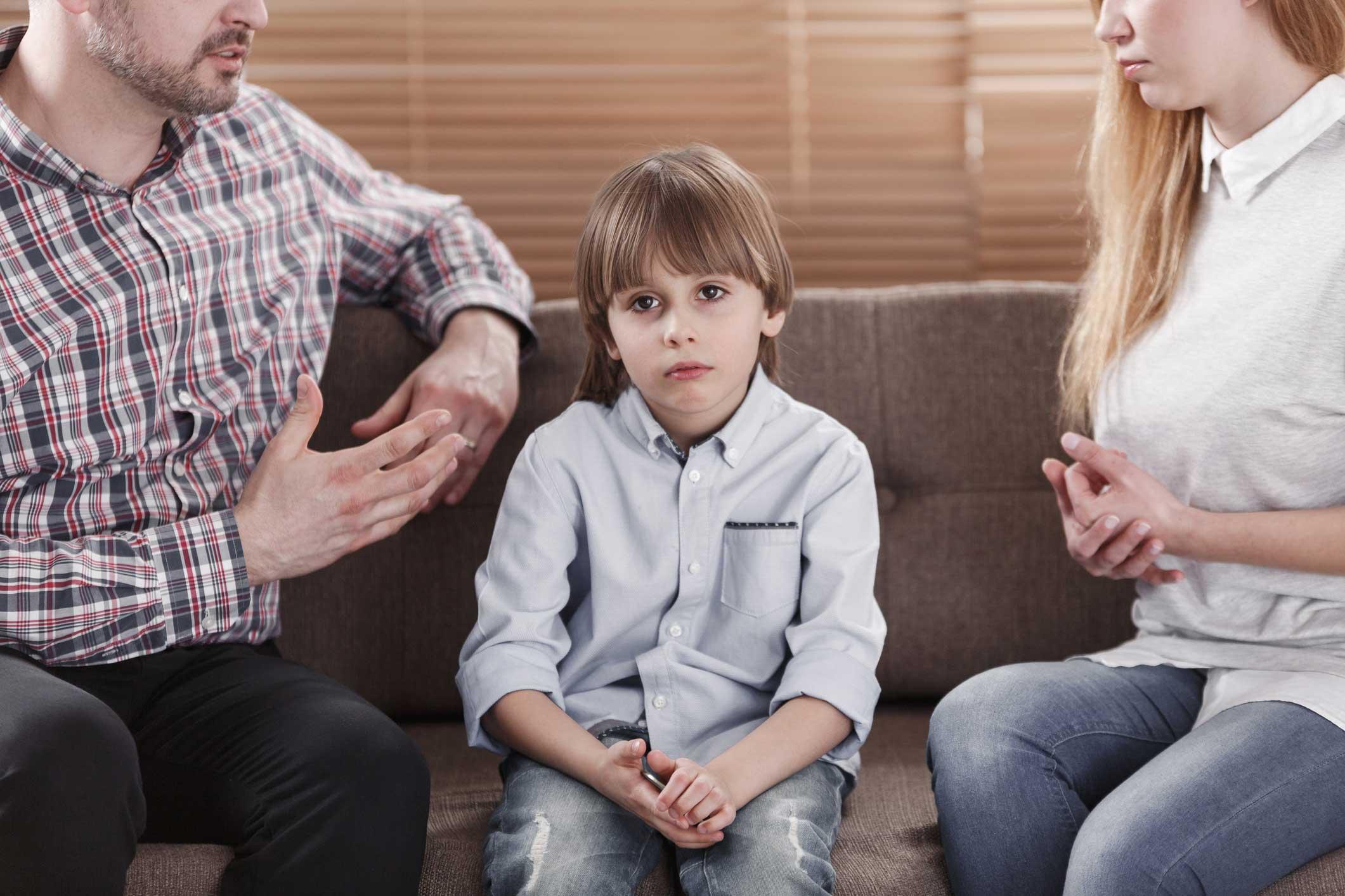 С кем должен оставаться ребенок при разводе?