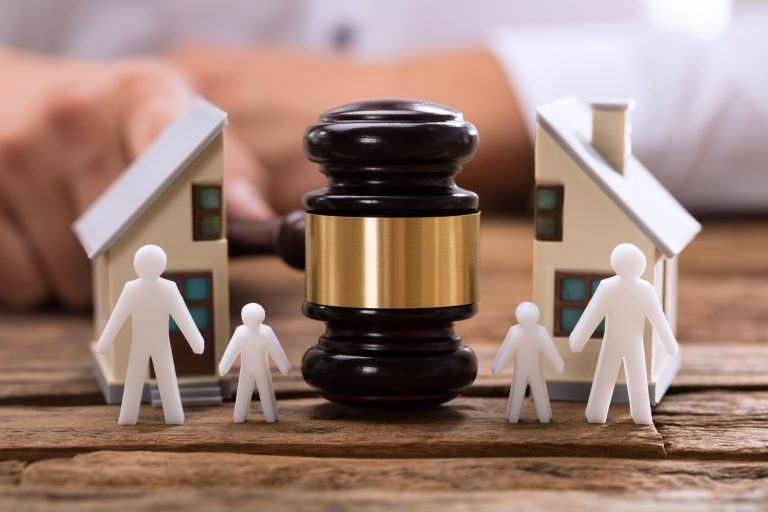 раздел акций при разводе