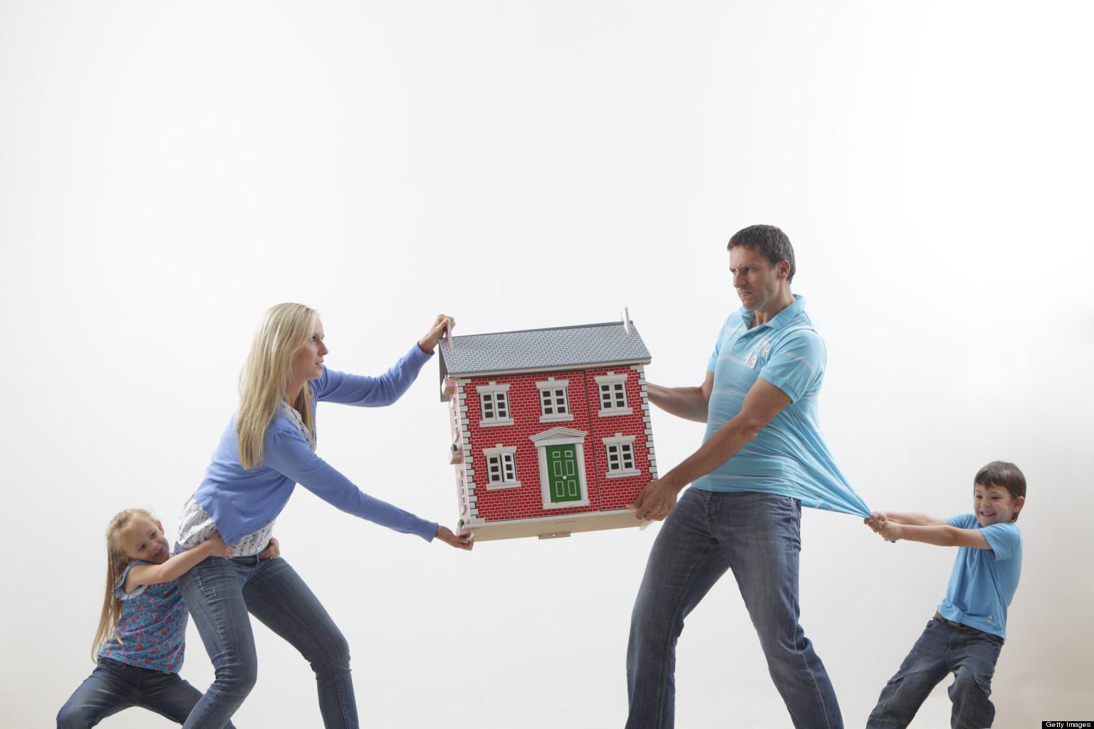 Как делится квартира при разводе с ребёнком?